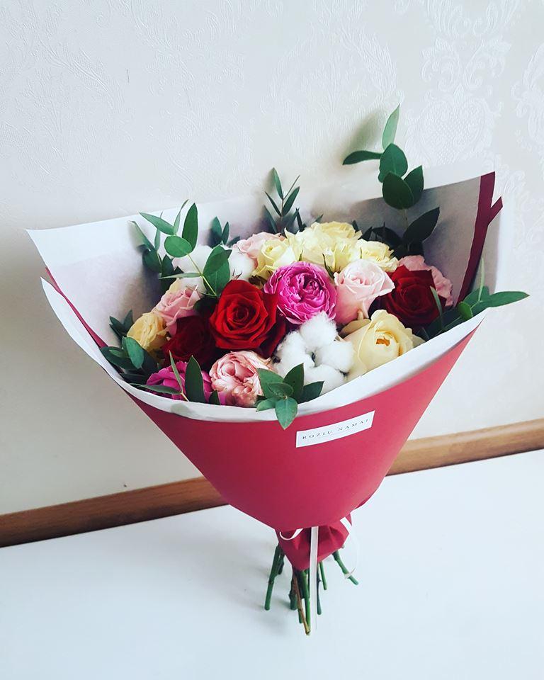 Gėlių puokštė / raudona