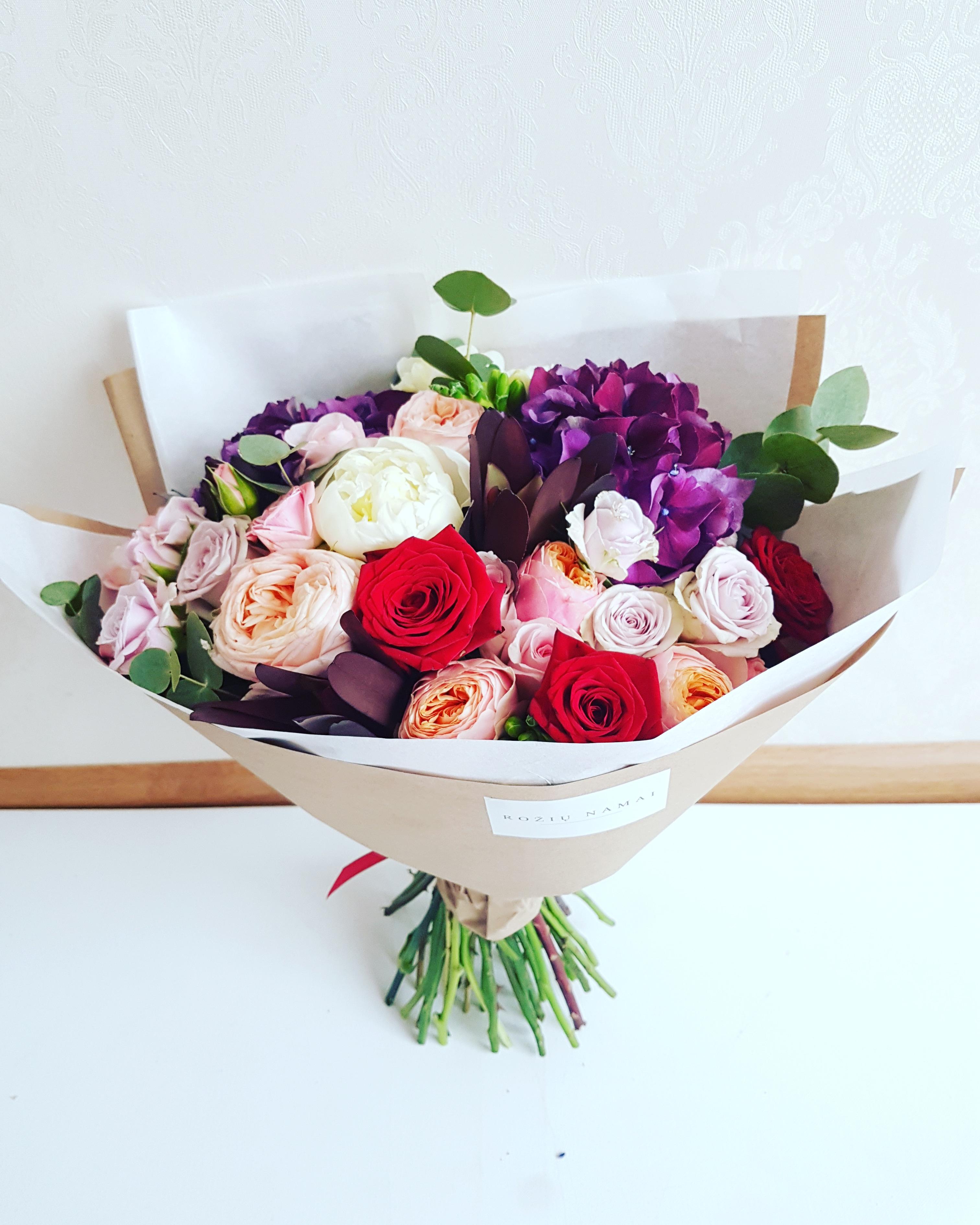 Įvairių gėlių puokštė / L dydis paveikslelis
