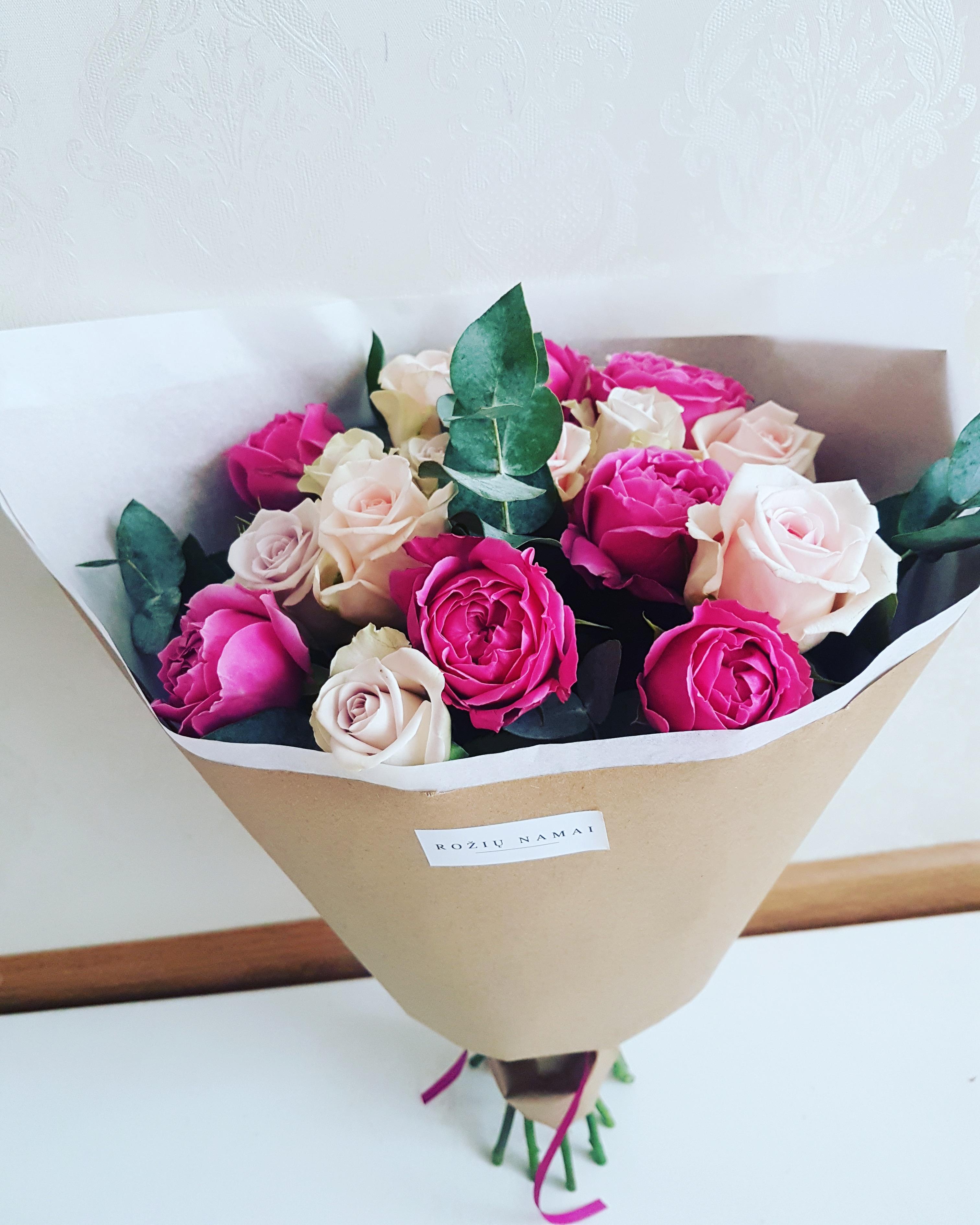 Rožių puokštė / 3 spalvų