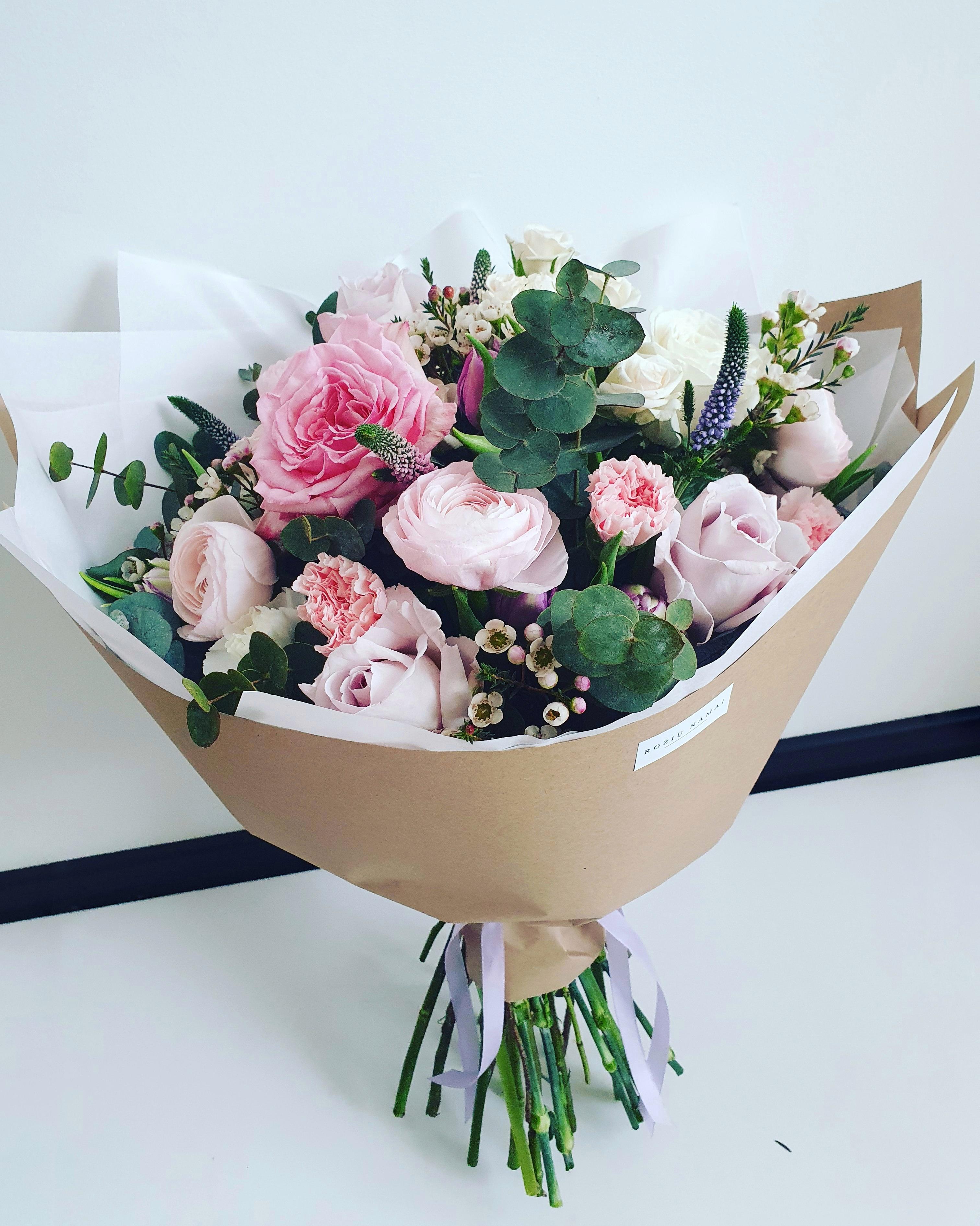 Įvairių gėlių puokštė / XL dydžio