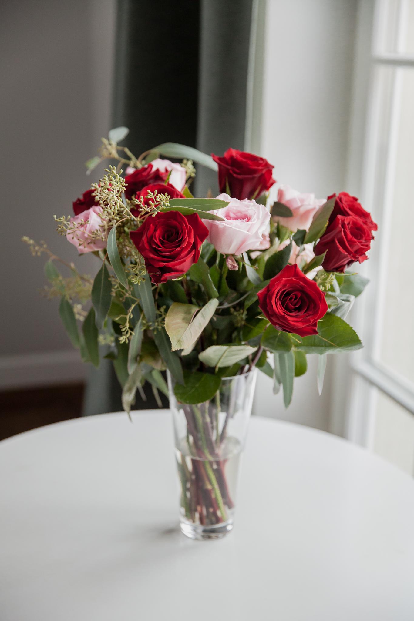 Raudonos ir rožinės rožės 15vnt.