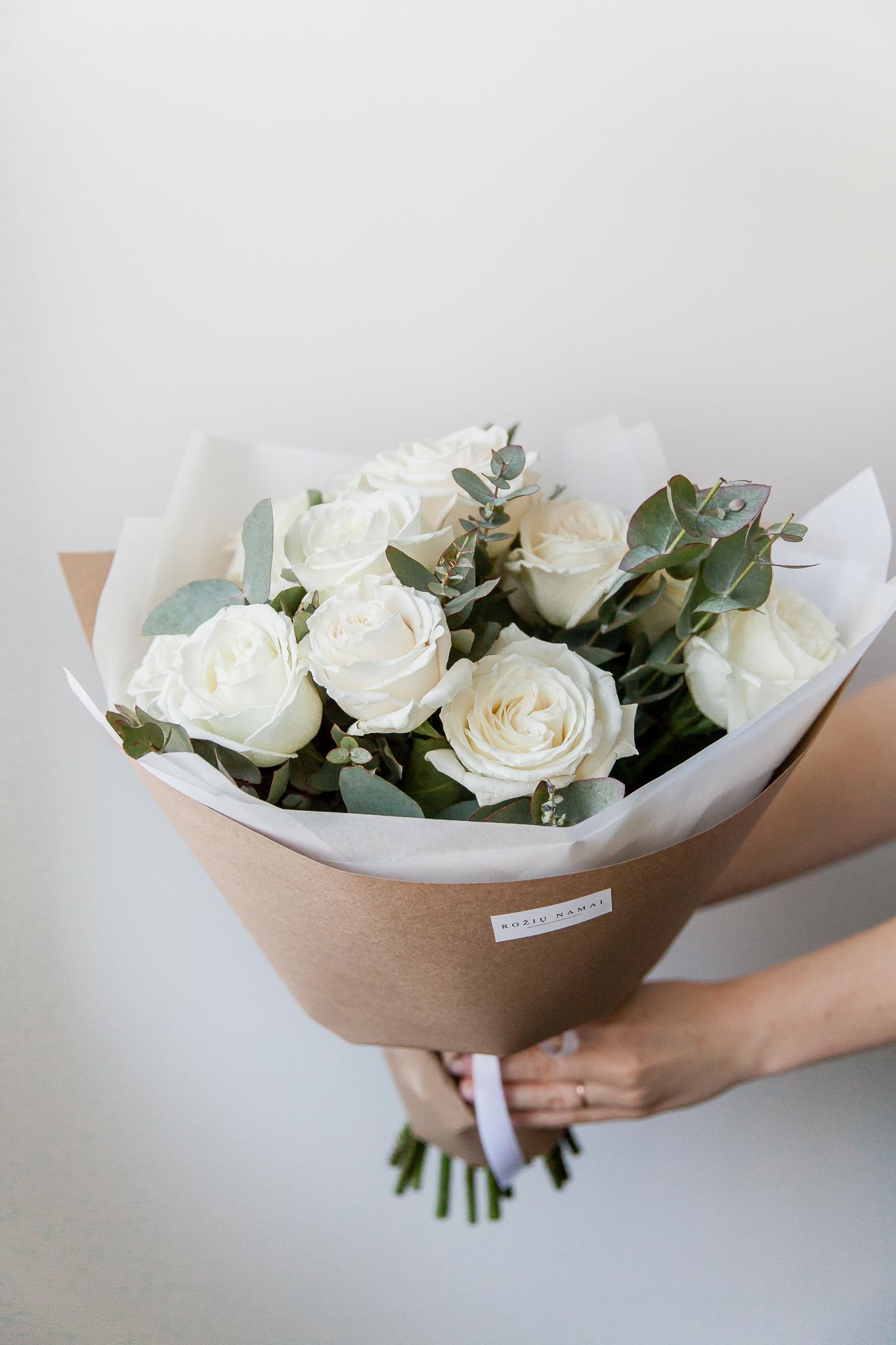 Baltos rožės 15vnt. paveikslelis